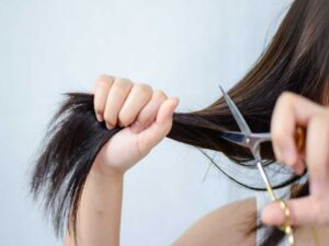 Does It Matter What Kind Of Scissors You Use To Cut Your Hair?