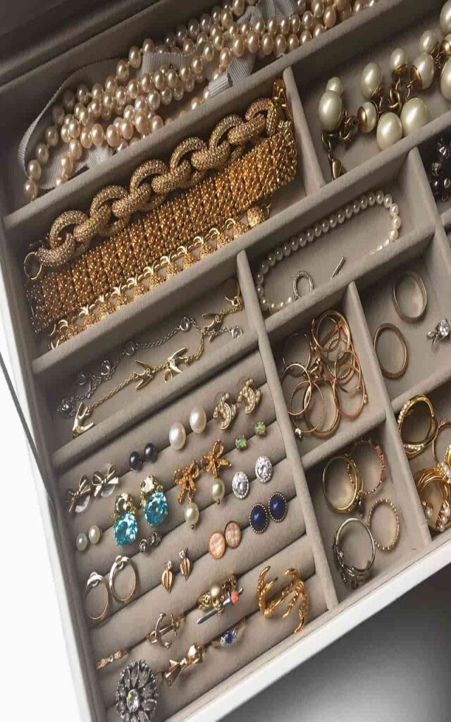 How to Store Your Jewelry in Jewelry Organizers?